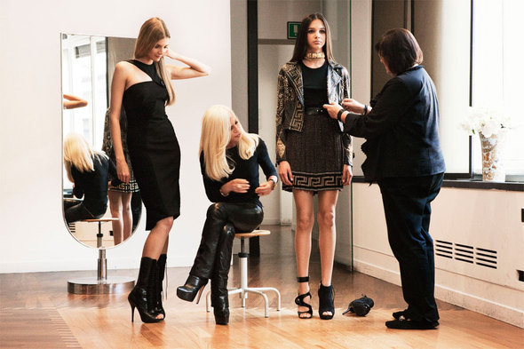 Versace создадут коллекцию совместно с H&M. Изображение № 4.