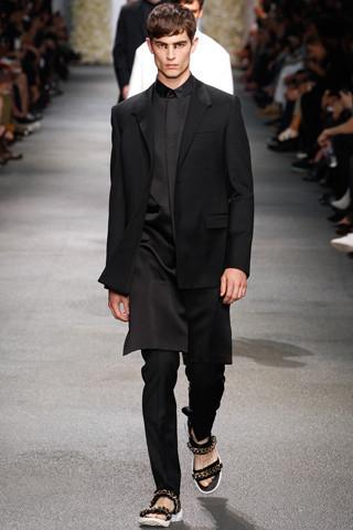 Неделя мужской моды в Париже: День 3. Изображение № 14.
