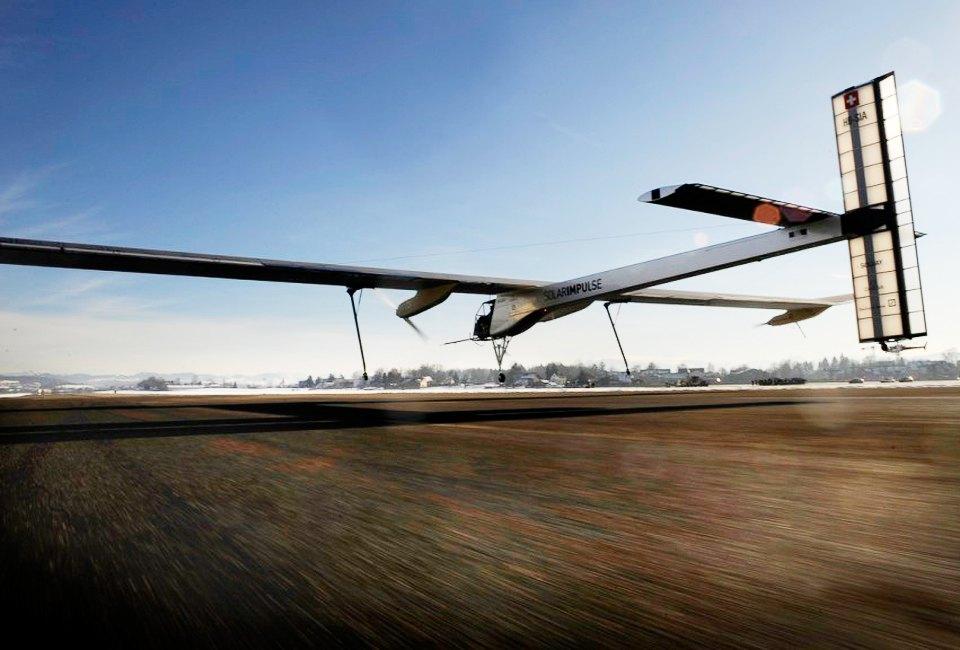 Первый самолёт  на солнечн&##1086;й энергии,  который долетит  на край света. Изображение №24.