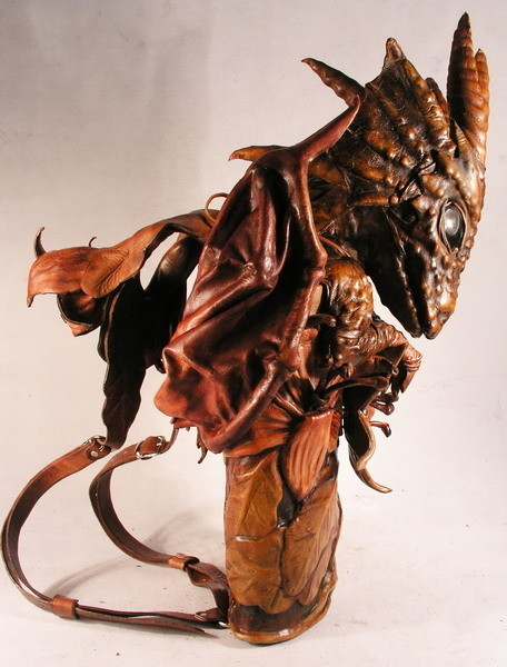 Увас дракон наспине. Изображение № 77.