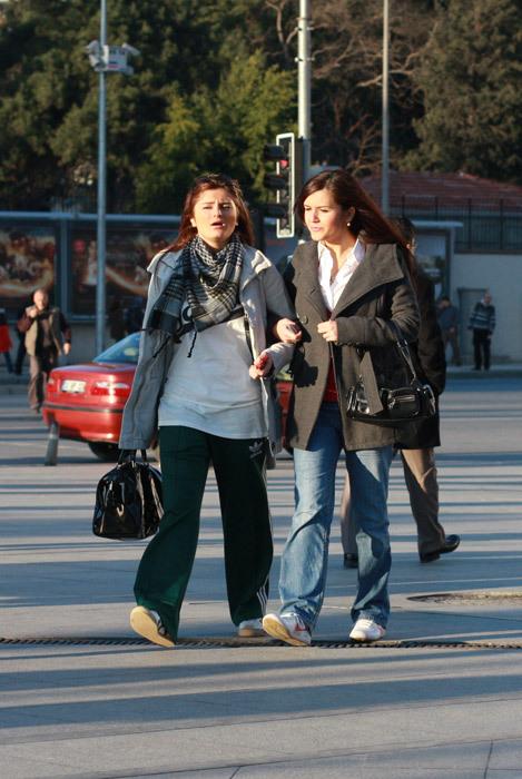 Можно либыть модным, живя вСтамбуле?. Изображение № 24.