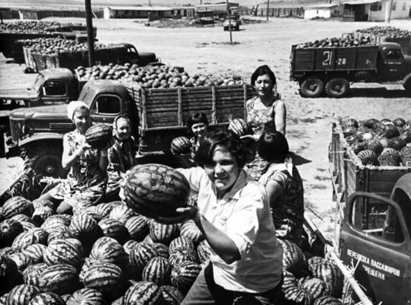 Фотографии из СССР. Изображение № 64.