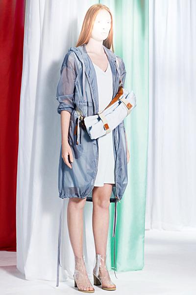 A.P.C., Chanel, MM6, Mother of Pearl, Paule Ka и Yang Li выпустили новые лукбуки. Изображение № 49.