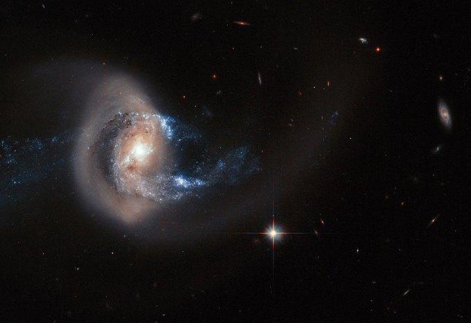Фото дня: столкновение двух галактик . Изображение № 1.