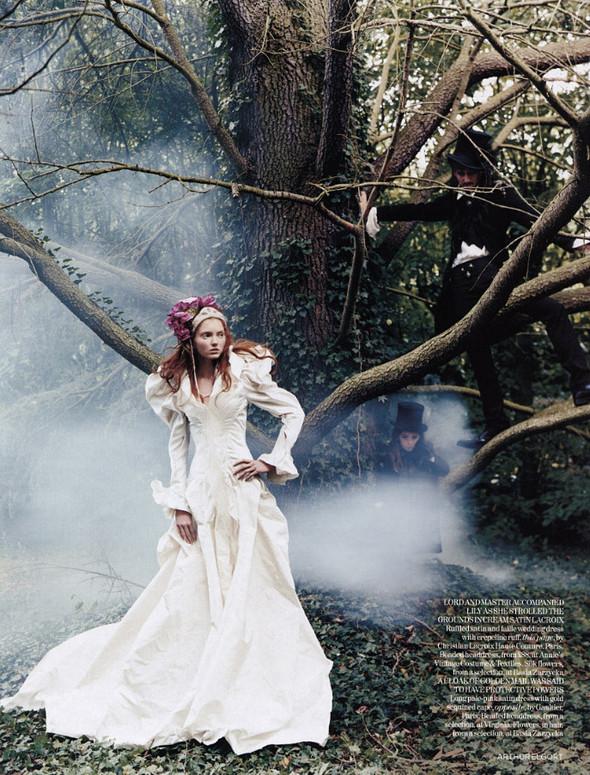 Архивная съёмка: Лили Коул для британского Vogue, 2004. Изображение № 11.