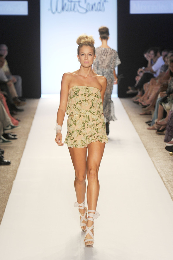 Купальный сезон 2012: Mercedes-Benz Fashion Week Miami [SWIM]. Изображение № 7.