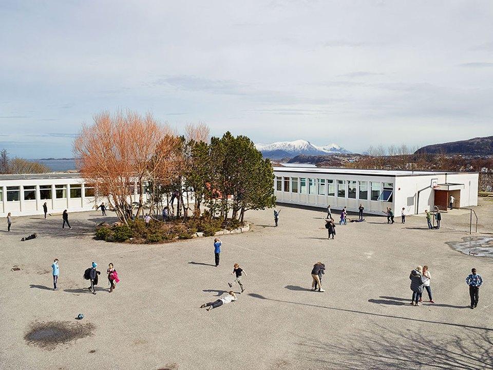 Фото: как выглядят детские площадки вразных странах мира . Изображение № 22.