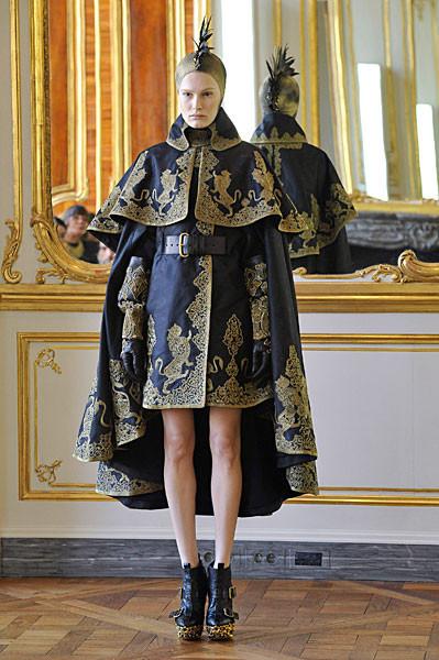 Последняя коллекция Alexander McQueen. Изображение № 8.