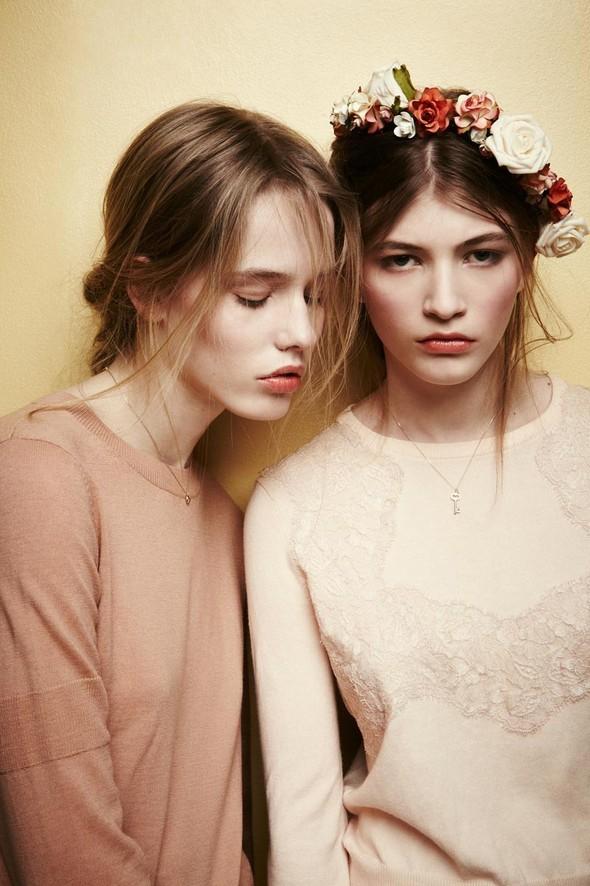 Съёмки: Playing Fashion, Schon, Vogue и другие. Изображение № 29.