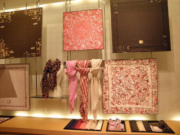 Новые магазины: Louis Vuitton в Риме, Chanel в Москве и Celine в Нью-Йорке. Изображение № 12.
