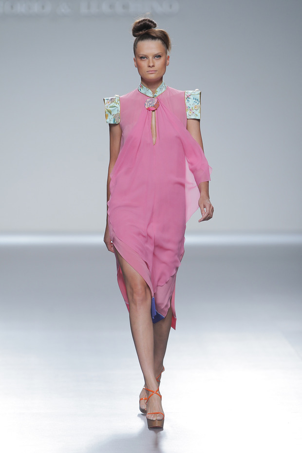 Madrid Fashion Week SS 2013: VICTORIO & LUCCHINO. Изображение № 7.