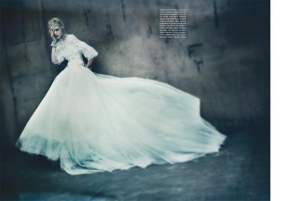 Съемка: Фрида Густавссон, Жак Ягачак и Кристина Салинович для Vogue. Изображение № 3.