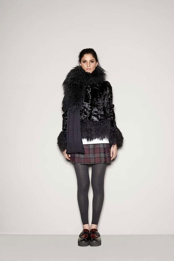 Лукбук: Dolce & Gabbana FW 2011 Women's. Изображение № 10.