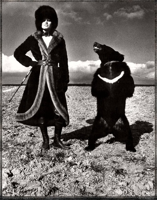 Helmut Newton-гурман женской плоти. Изображение № 28.