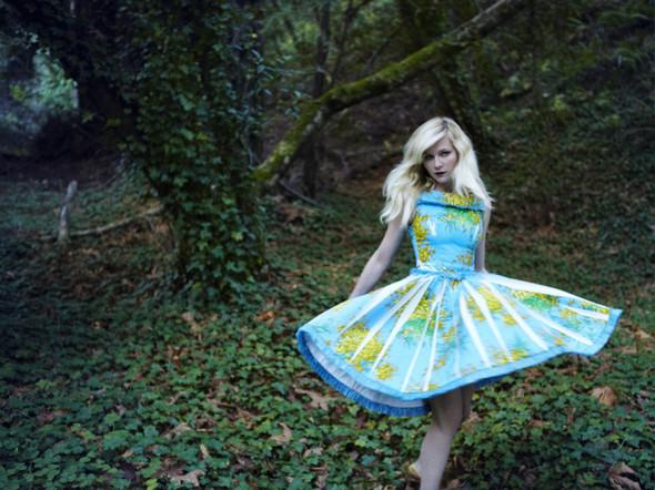 Съёмка: Кирстен Данст для итальянского Vogue. Изображение № 2.