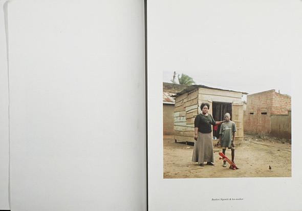 12 альбомов фотографий непривычной Африки. Изображение № 93.
