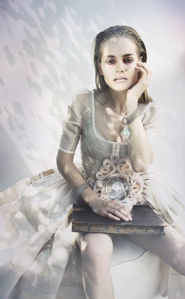 Icelandic fashion photographer Saga Sigurdardottir. Изображение № 9.