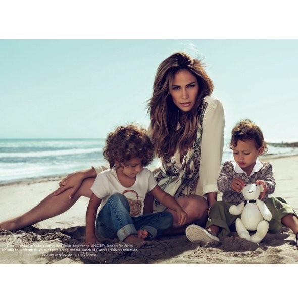 Рекламные кампании: Gucci, Gianfranco Ferré и другие. Изображение № 1.