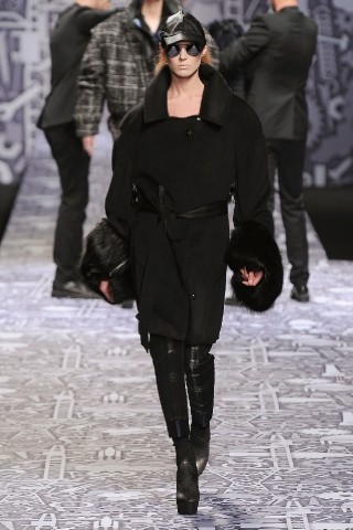 Back to black : Gareth Pugh и Victor&Rolf aw 2010-2011. Изображение № 48.