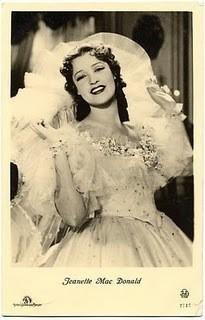 Maytime (1937) / Robert Z. Leonard / Jeanette MacDonald, Nelson Eddy and John Barrymore. Изображение № 30.