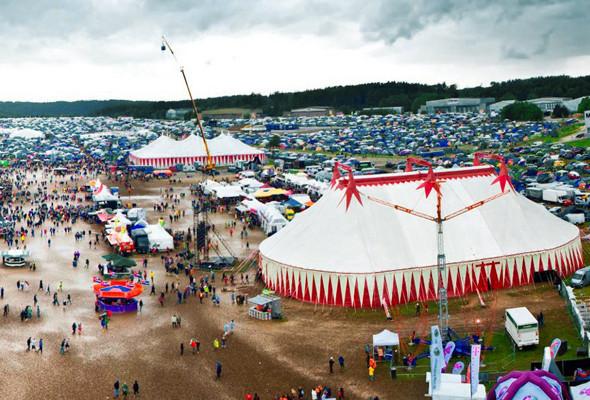 15 летних фестивалей в Европе, где музыка — не самое главное. Изображение №11.