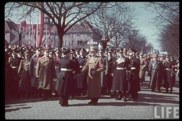 100 цветных фотографий третьего рейха. Изображение №80.