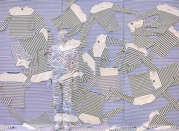 Liu Bolin снова растворился в искусстве. Изображение № 7.