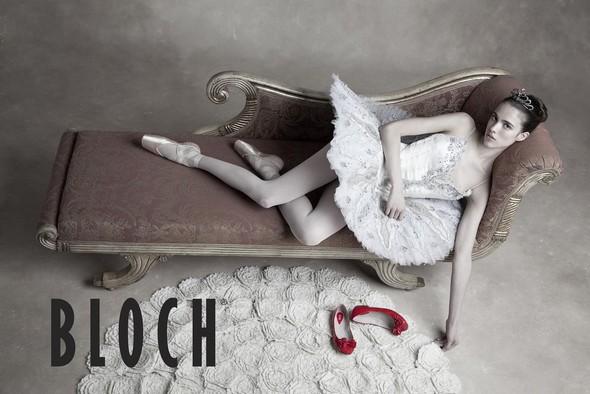 Рекламные кампании: Bloch, Chanel и French Connection. Изображение № 2.