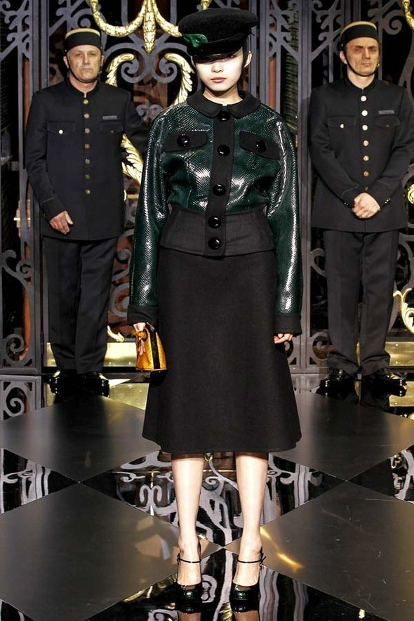 Изображение 28. Louis Vuitton Fall 2011.. Изображение № 28.