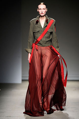 Thimister Haute Couture FW 2010. Изображение № 21.