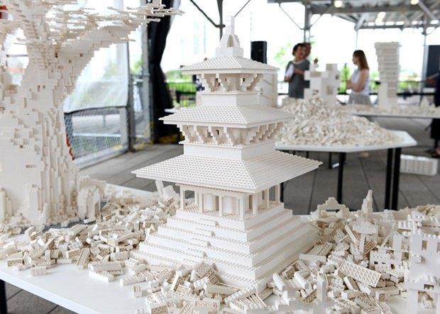10 архитектурных бюро собрали модели зданий из белого LEGO. Изображение № 15.