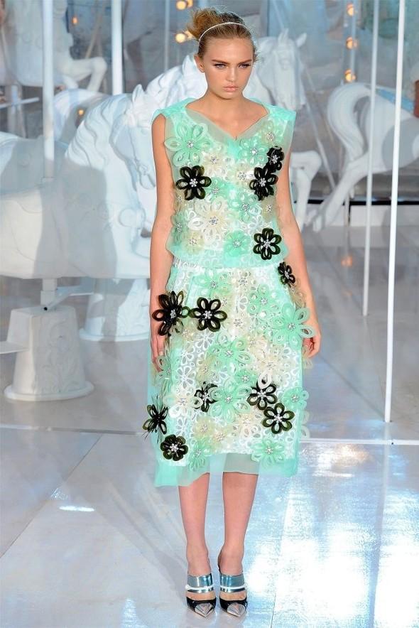 Неделя моды в Париже: Louis Vuitton весна 2012. Изображение № 36.