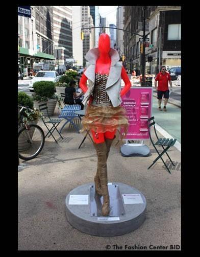 Американские модельеры переодели манекенов в Нью-Йорке. Изображение № 4.