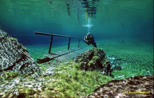Фотограф Herbert Meyrl. Скамейки под водой. Изображение № 5.