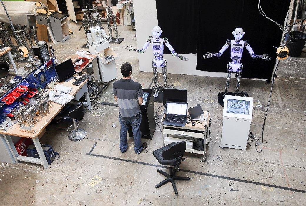 Как собирают эмоциональных андроидов, которые играют в театре. Изображение №13.