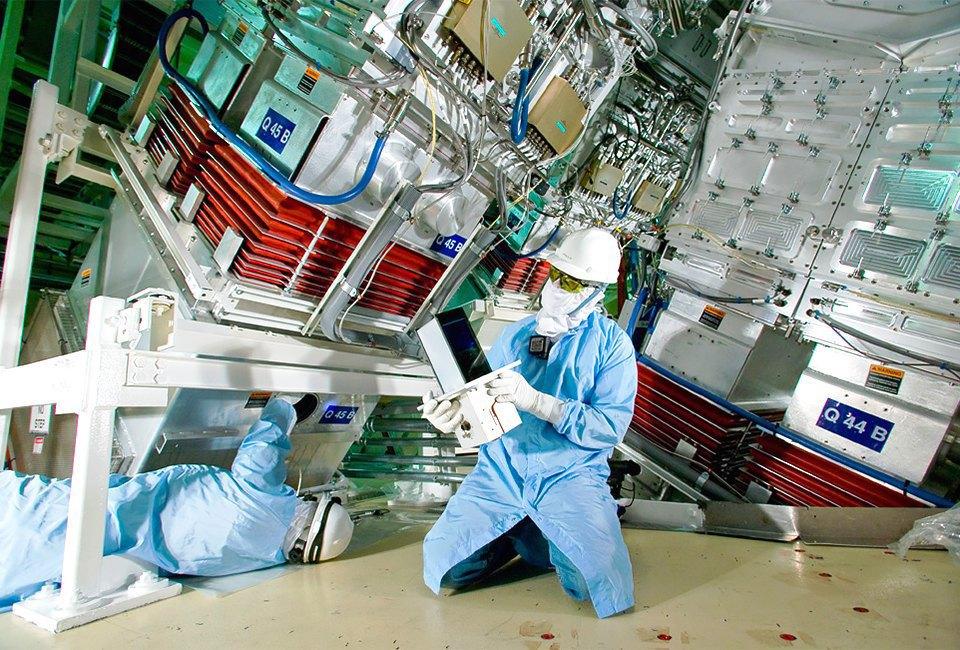 Как выглядит комплекс с самыми мощными лазерами в мире. Изображение № 9.