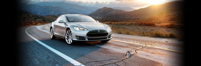 Tesla Model S признан рекордно безопасным автомобилем. Изображение № 1.