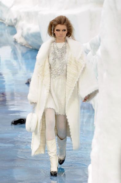 Ледяное шоу от Chanel. Изображение № 21.