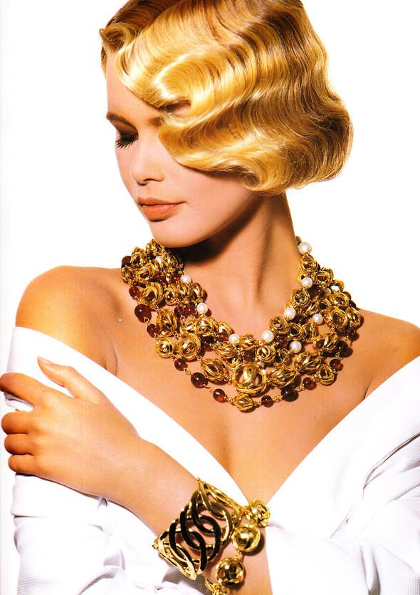 Архивная съёмка: Рекламная кампания Chanel SS 1990. Изображение № 12.