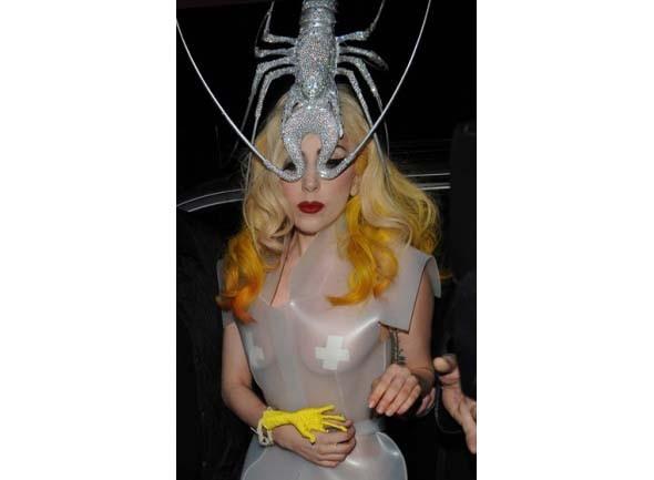 Леди Гага стажируется у Филипа Трейси. Изображение № 1.