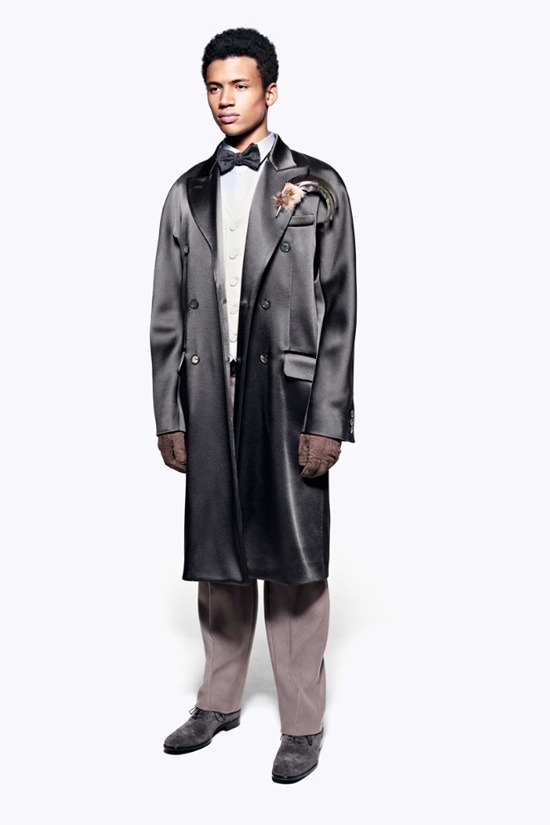 Мужские лукбуки Alexander McQueen, Comme des Garcons, Louis Vuitton и Club Monaco. Изображение № 17.