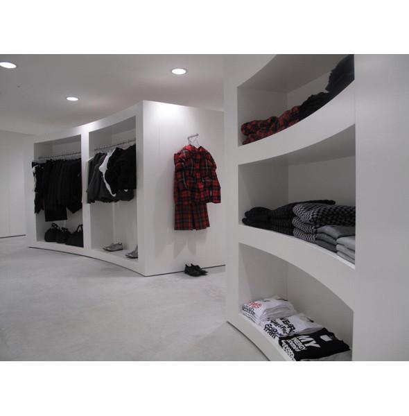 Comme des Garcons открыли магазин в Сеуле. Изображение № 2.