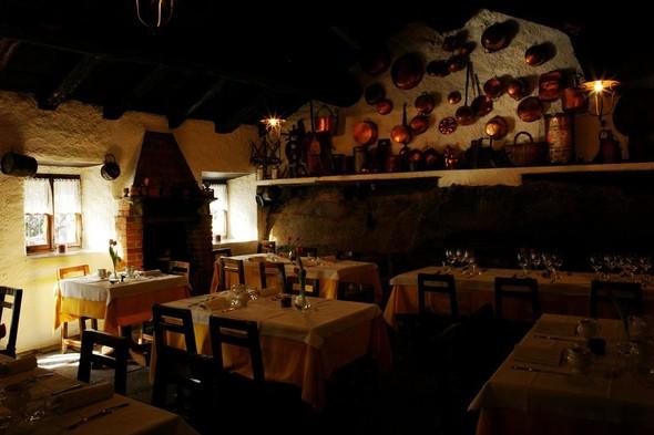 Рестораны и винные погреба в пещерах на севере Италии. Изображение № 4.
