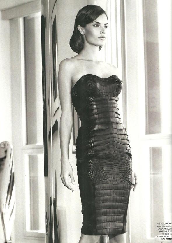 Съёмка: Алессандра Амбросио для Vogue. Изображение № 6.