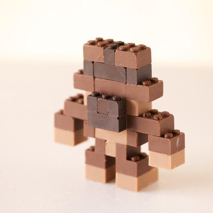 Японский дизайнер сделал LEGO из шоколада . Изображение № 6.