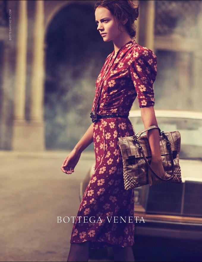 Gucci, Mulberry, Chanel и другие марки показали новые кампании. Изображение № 4.