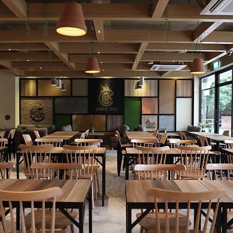 На скорую руку: Фаст-фуды и недорогие кафе 2011 года. Изображение № 64.