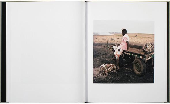 12 альбомов фотографий непривычной Африки. Изображение № 84.