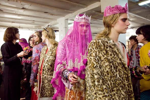 Бэкстейдж Лондонской недели моды. Изображение № 22.