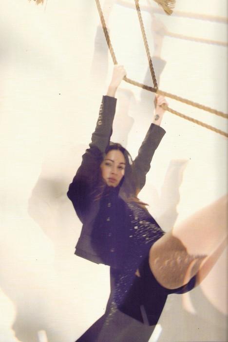 Съемка: Меган Фокс для испанского Vogue. Изображение № 5.